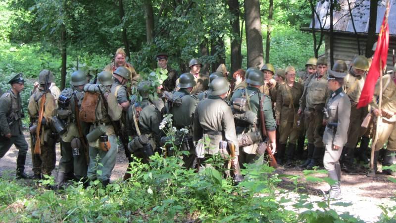 Общее построение участников реставрации событий Великой Отчественной Войны 1941-45 гг.